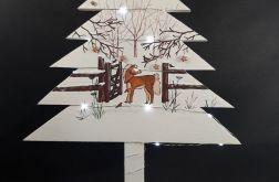 Drewniana malowana choinka z konikiem led