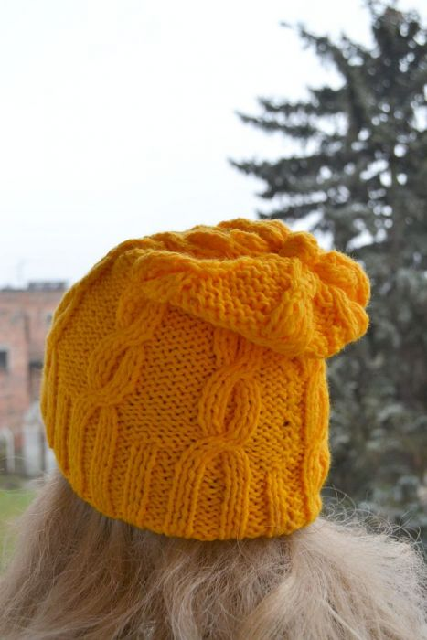 Żółta  czapka krasnal