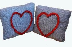 Poduszki z sercem -szare;o)