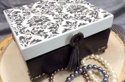 Czarno-biała szkatułka