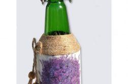 Butelka z lawendą  na lnianym płótnie
