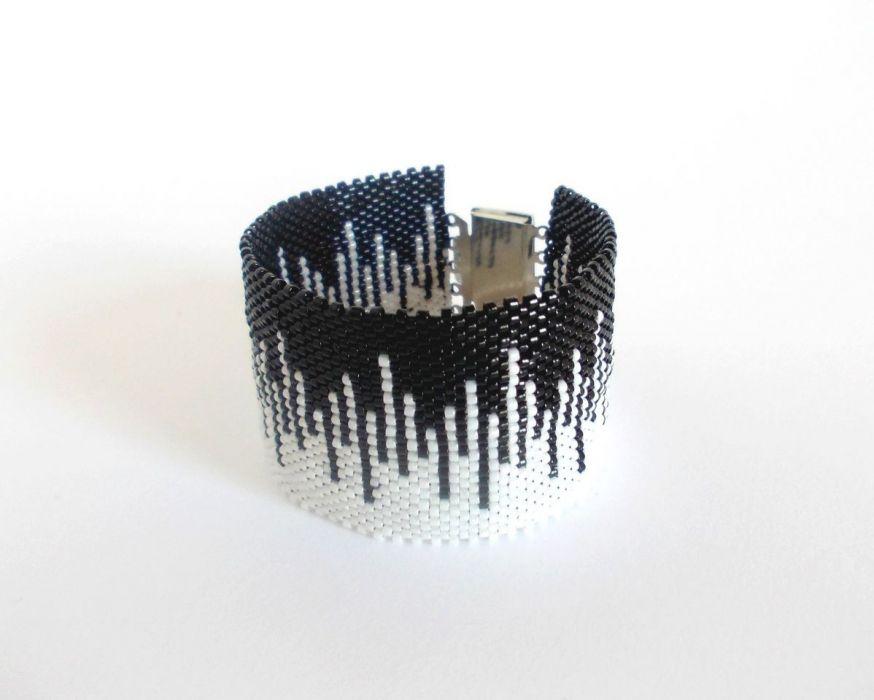 Skyline - black and white - koralikowa bransoletka