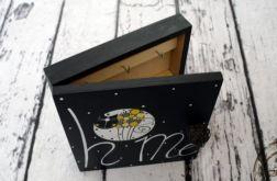 drewniane zamykane pudełko na klucze home