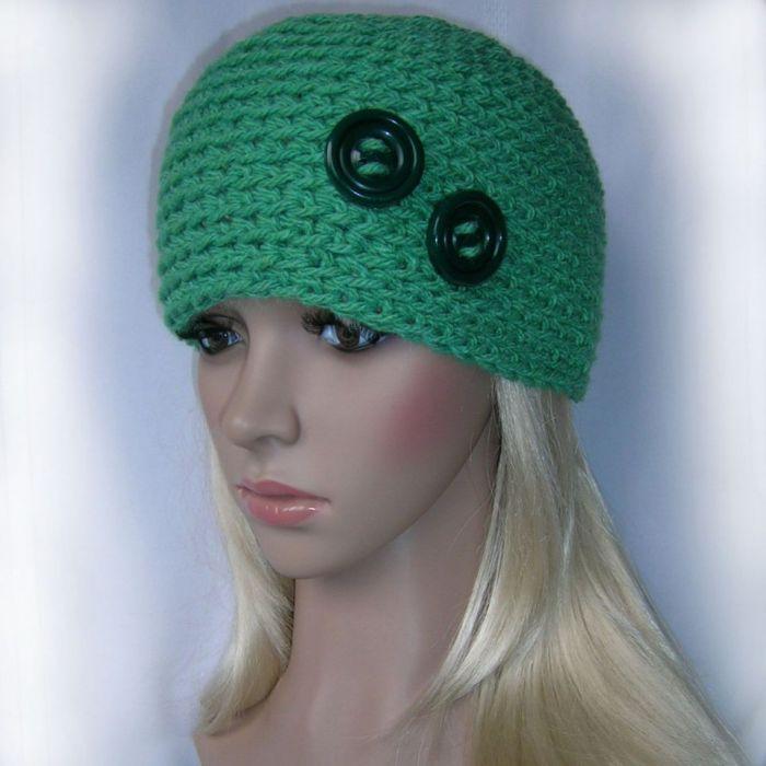 Z guziczkami - czapka