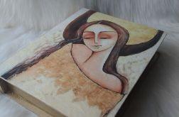 szkatułka-księga z aniołem szczęścia