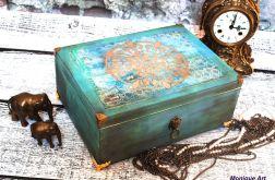 Orientalna skrzynia, prezent, na biżuterię