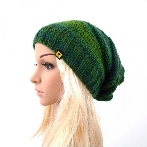 długa czapka w zieleniach
