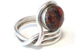 43 pierścionek vintage, naturalny bursztyn