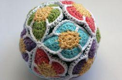 Szydełkowa piłka układanka