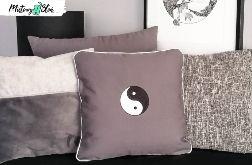 Dekoracyjna haftowana poduszka ~ Yin i Yang