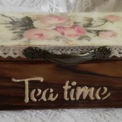 Herbaciarka z francuskimi różami