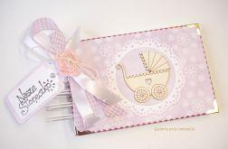 Album dla dziewczynki z wózkiem fioletowy