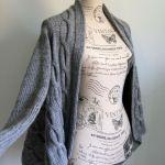 Sweter szarak z warkoczami