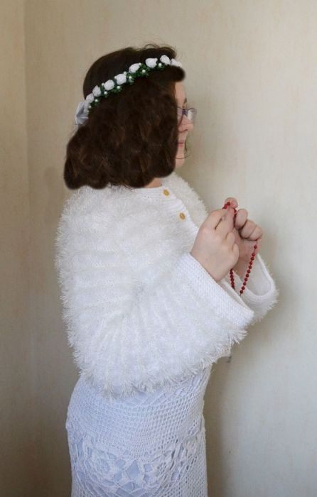 Białe bolerko komunijne-imitacja futerka