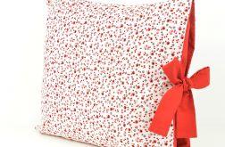 Poszewka na poduszkę z czerwoną kokardą