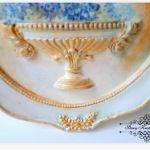 Gipsowa ramka - złocenia i paw - Decoupage
