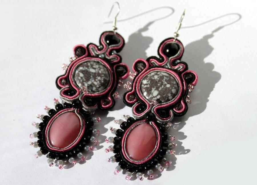 Czerń-róż-szarości