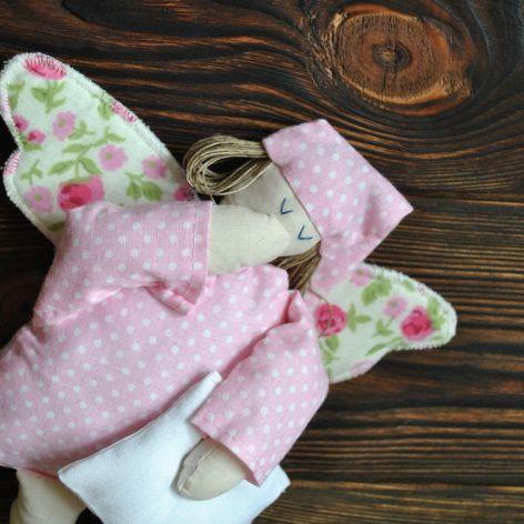 Tekstylna zabawka - aniołek pastelowy