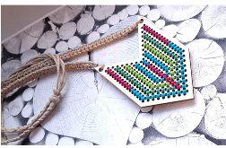 4637 długi naszyjnik haft len rękodzieło