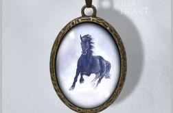 Medalion, naszyjnik - Czarny koń - antyczny brąz - prosty