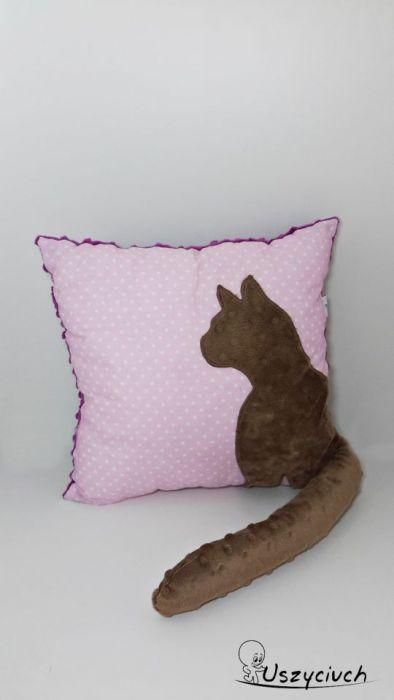 Poduszka z kotem ogon 3D brązowy kot fiolet