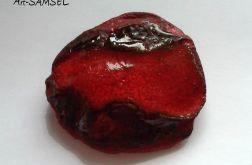 Broszka ceramiczna z czerwienią