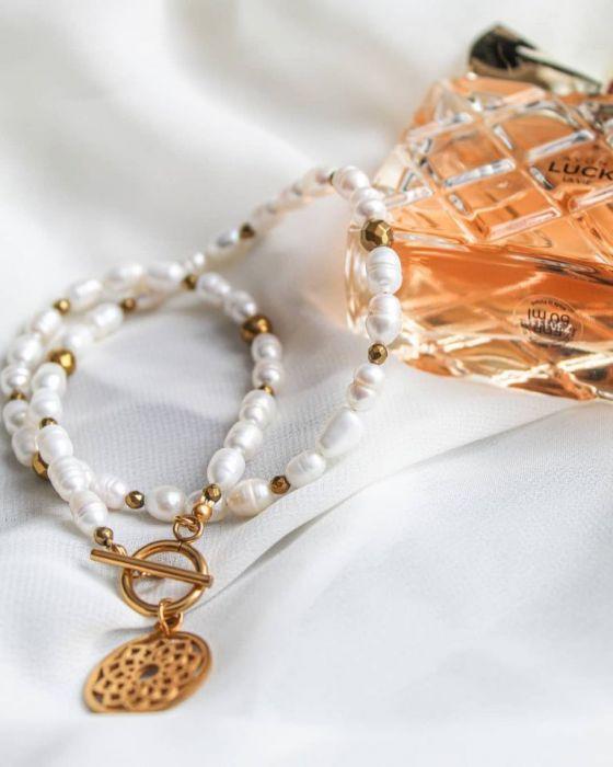 """Naszyjnik """"Perła i Rozeta"""" - Perły to symbol kobiecości."""