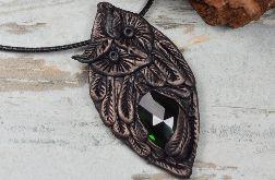 Wisiorek sowa z zielonym kryształem