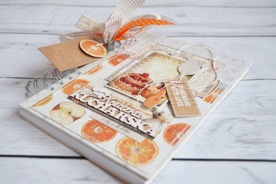 Apetyczny przepiśnik z pomarańczami