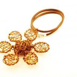 """Wisior """"Kwiat stare złoto"""""""
