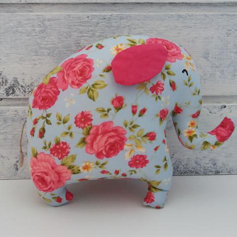 Słoń w róże - Fabricate