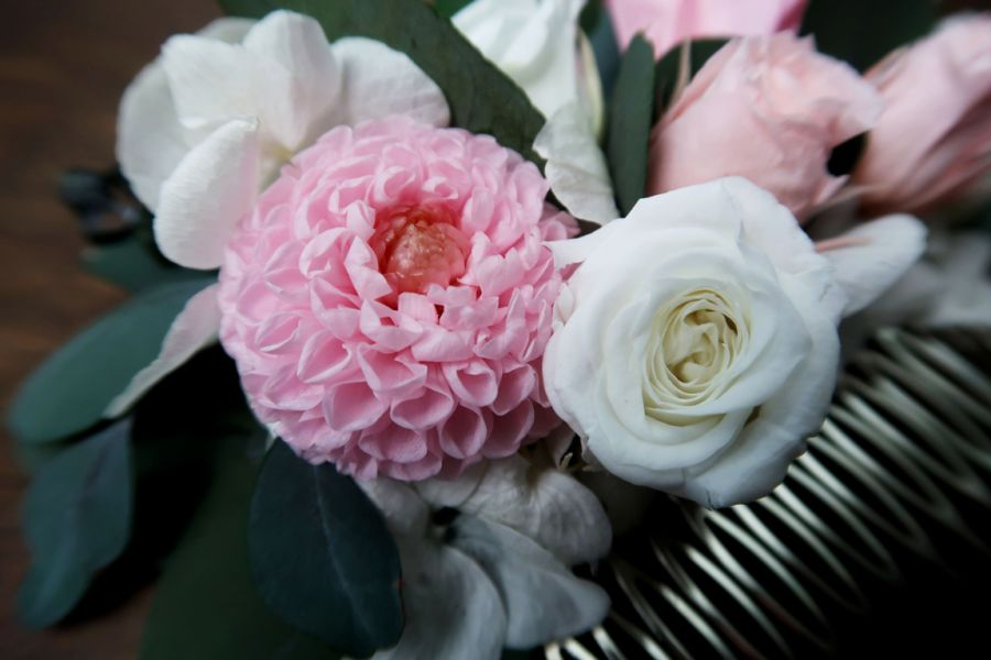 Grzebyk ślubny róż biel eukaliptus