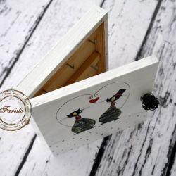 białe pudełko na klucze na ślub