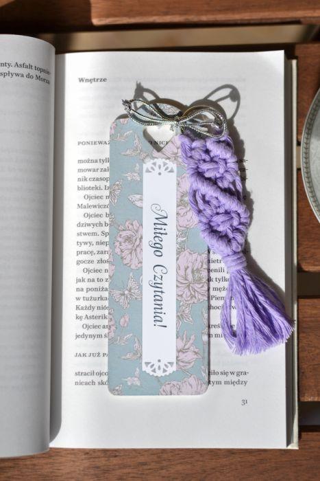 Zakładka z motywem kwiatowym z chwostem i możliwością dedykacji - możliwość dodania dedykacji