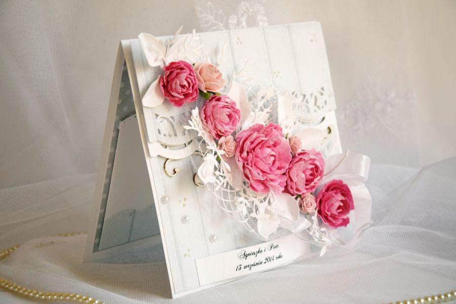 Pastelowa kartka ślubna w komplecie z pudełkiem. WZÓR.  -