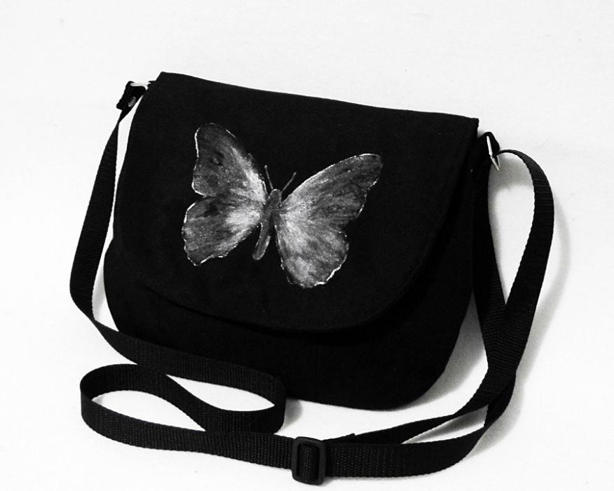 b5eb20cfdccd6 Rockowa malowana torebka listonoszka motyl - UniQueBags