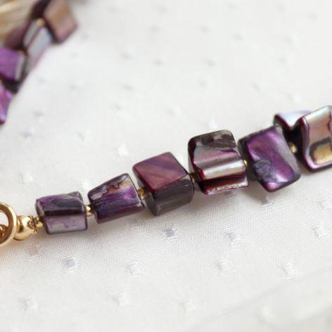 Fioletowy naszyjnik z masą perłową