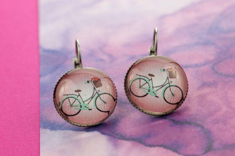 Kolczyki wiszące z rowerem w różu -