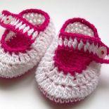 Urocze biało - malinowe buciki