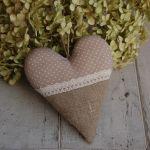 Beżowe kropeczki i len - serce rustykalne - serce ręcznie robione
