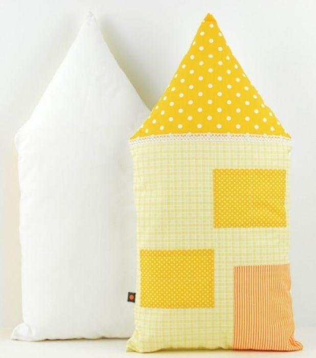 Poduszka dekoracyjna wałek 30x55cm - Domek A