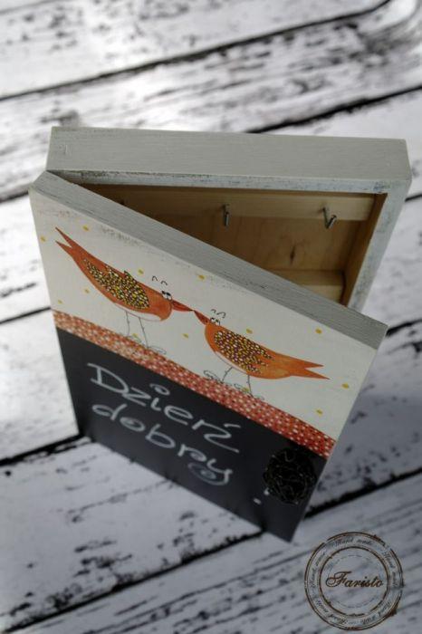 pudełko na klucze z tablicą ptaszki
