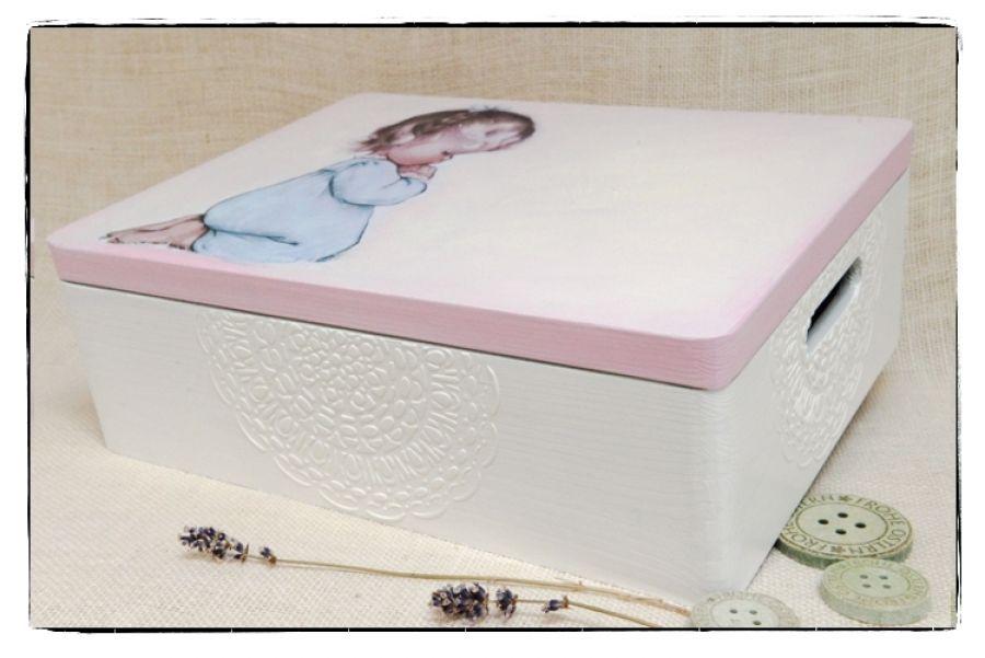 Modląca się dziewczynka 30x40 kufer, Chrzciny - null