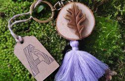 Breloczek drewniany rustykalny liść liliowy