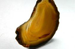 Miodowy agat, nieregularny plaster, wisiorek
