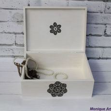 Skrzynia na biżuterię, z koronką, prezent