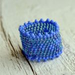 Pierścionek koralikowy niebieski