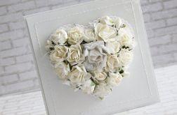 Ślubne kwiatowe serce - białe