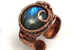 Miedziany pierścionek z labradorytem blue