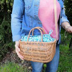 Koszyk,kuferek,torebka damska z wikliny ,liście.